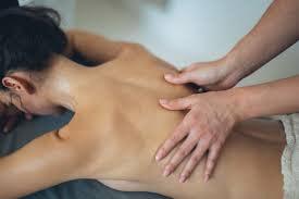 masaje terapéutico para la espalda